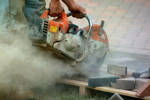 Ways-To-Control-Dust-When-Cutting