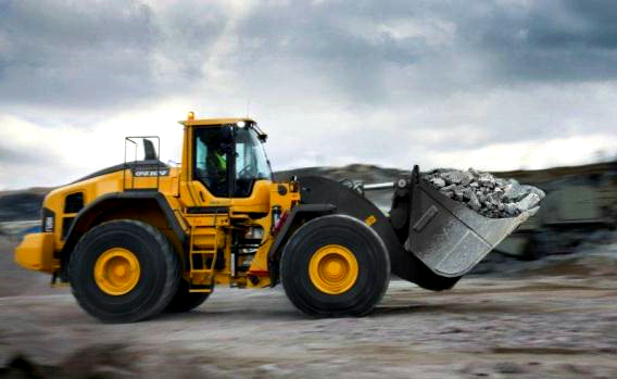 Ways-To-Lift-Heavy-Loads-With-Little-Effort-With-The-New-Volvo-Wheel-Loader