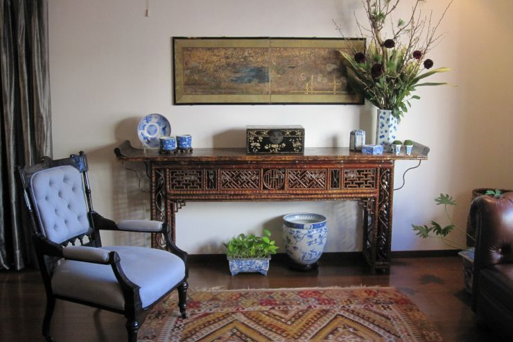 Great-Ways-To-Use-Chinese-Altar-Tables