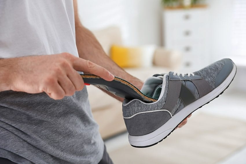Using-orthotic-shoe-helps-with-TMJ-pain-min
