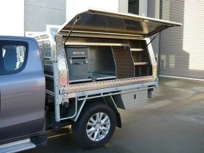 picture of an aluminum ute toolbox